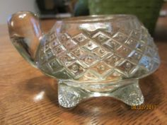 VINTAGE HEAVY CRYSTAL CLEAR GLASS TURTLE TEA LIGHT CANDLE HOLDER~BY AVON~EUC