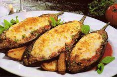 Μελιτζάνες παπουτσάκια με κρέμα γιαουρτιού-φέτας | Συνταγές - Sintayes.gr Baked Potato, Zucchini, Good Food, Potatoes, Meat, Baking, Vegetables, Ethnic Recipes, Gourmet