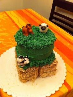Farm Animal Mini-Cake ~ 1st Birthday Smash Cake, on Mini Hay Bales.  Cake by: Bella Baby Cakes / Event by: Dapper Doll Events (L.A. Ca)