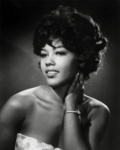 """Ja'Net DuBois aka Willona from """"Good Times"""" co-wrote """"The Jeffersons"""" theme song and shared the stage with Sammy Davis in """"Golden Boy"""". Ja'Net was born and raised in Brooklyn. Divas, Vintage Black Glamour, Vintage Beauty, Black Girls Rock, Black Girl Magic, Classic Hollywood, Old Hollywood, Kings & Queens, Photo Star"""