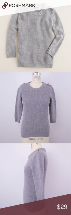 J Crew Hadley Sweater 100% Merino Wool XS J Crew Womens Hadley Sweater Sz XS Gray 100% Merino Wool  Description  Material: 100% merino wool Size: XS  Measurements (in inches):  Armpit-to-armpit: 16 Length: 23 **All our products come from a clean and smoke-free household.** J. Crew Sweaters Crew & Scoop Necks