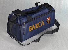 tas barcelona sport bag.  warna: boru donker .model: sport bag / duffel bag.  dimensi: panjang 40 cm, lebar 22 cm, tinggi 22 cm. logo: bordir computer. kode barang: DBBARCA. harga: 85rb  customer service: 081908730081 (SMS) 51971087 (BBM) 085736078627 (WA/LINE)