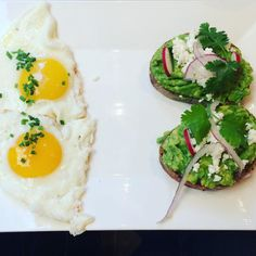 """Fat, protein and carbs! Just the way I like it!! This is what a normal breakfast"""" looks like. Be mindful. Eat because you need to fuel and satisfy. Use all five senses. Enjoy. Use both your brain and gut to determine fullness. Breathe. Notice thoughts, sensations and how long this meal keeps you full. #mindyourmeal #maisonkayser @maisonkayserusa #eatwithintention #bodypositive #allfoodsfit #allbodiesfit #womenshealth #bodyclock #food #recipes #lifestyle #yoga #mindfulness #eatpraylove #cedrd…"""