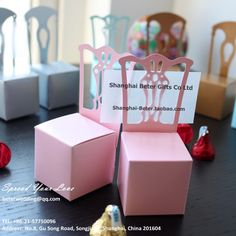168 miniatura cadeira caixa de Favor rosa BETER-TH005-B0 noiva e do noivo caixas do Favor   http://pt.aliexpress.com/store/product/60pcs-Miniature-Pink-Chair-Favor-Boxes-card-holders-Wedding-Decoration-free-shipping-BETER-TH005-B/1210605_1792945784.html