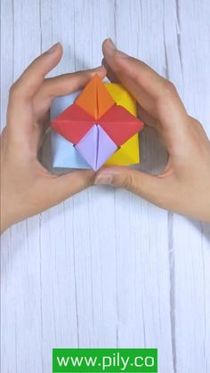 Instruções Origami, Origami And Kirigami, Modular Origami, Origami Toys, Diy Crafts Hacks, Diy Crafts For Gifts, Creative Crafts, Cool Paper Crafts, Paper Crafts Origami