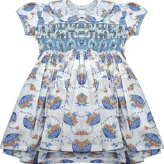 Todo encanto e delicadeza... Vestido casinha de abelha! Adoro esse modelo de vestido! Para quem também gostou e não sabe onde comprar tem na @amy_baby_enxovais e tem de várias outras cores!  #vestidoinfantil #vestidocasinhadeabelha #casinhadeabelha #modainfantil #modaparamenina #roupademenina #babygril #modababygril #bebê #fofura #love #delicadeza #mamaedemenina #amybabyenxovais #amoraoseubebê #dicademãe #mãedemenina #mãecoruja #comprinhas #enxovaldebebe
