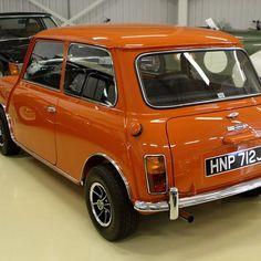 Like the colour . Mini Cooper S, Rover Mini Cooper, Mini Cooper Classic, Cooper Car, Mini Cooper Clubman, Classic Mini, Classic Cars, Retro Cars, Vintage Cars