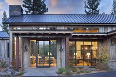 Mountain Home Exterior, Modern Mountain Home, Mountain House Plans, Mountain Homes, Farmhouse Architecture, Modern Farmhouse Exterior, Rustic French Country, Country Farmhouse, Wine Country