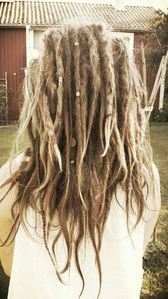 so messy and gorgeous ☼ #thinninghairwomen