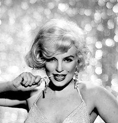 Marilyn Monroe photographed by Richard Avedon, 1959.