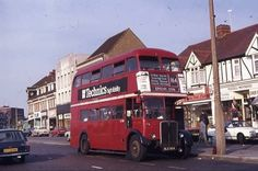 Rose Hill in Carshalton Surrey England in the late Early London Bus, Old London, West London, Sutton England, Old Pictures, Old Photos, Sutton Surrey, Rt Bus, Routemaster