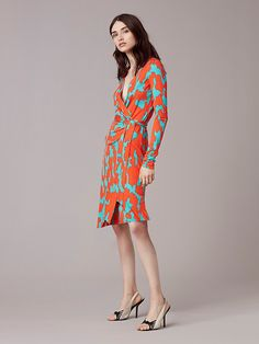 Banded Long-Sleeve Wrap Dress in Eylan Bold Red