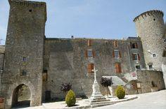Le château des templiers de Sainte-Eulalie-de-Cernon construit par les hospitaliers - Aveyron