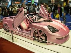 :D Pink Maserati ☆ Girly Cars for Female Drivers! Love Pink Cars ♥ It's the dream for every girl ALL THINGS PINK! I so want a pink or purple Luxury Sports Cars, Sport Cars, Sport Sport, Maserati, Bugatti, Ford Gt, My Dream Car, Dream Cars, Volkswagen