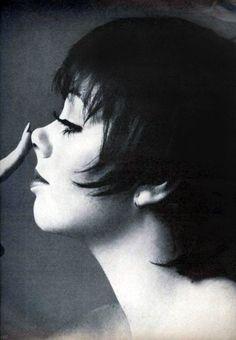 Liza Minnelli, photo by Richard Avedon, Vogue US, 1974 Liza Minnelli, Richard Avedon Portraits, Richard Avedon Photography, Robert Mapplethorpe, Steven Meisel, Great Photographers, Portrait Photographers, San Antonio, Art Ancien