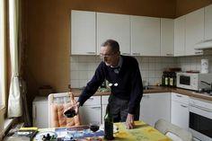 Ouderen en zorgbehoevenden wonen graag zo lang mogelijk thuis. Dat kan in een aangepaste woning en met voldoende zorg, dicht bij huis. Woonz...