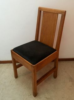 Willem Penaat chair designed for the PTT in 1929. Dutch Nieuwe Kunst (New  Art).