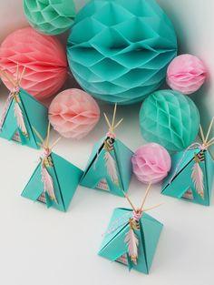 Boîte à dragées tipi sur-mesure/ Studio-aloki Indian Party Themes, Origami, Scrap, Packaging, Baby Shower, Paper, Indian Party, Diy, Meet