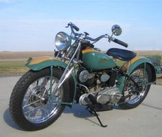 1943 Indian Scout 741 in World's Fair color scheme.