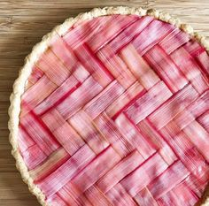 From Romans to Rhubarb #Herringbone (look it up). Strawberry Coconut Cream Herringbone Tart with Herringbone Latticed Rhubarb by @joyosity Get the #recipe & 50 more recipes featuring Rhubarb from http://ift.tt/2myc93a (Rhubarb Feed edited by @brianhalweil Link in profile) or if you ever want the recipe of a pic we've posted on this account go to http://ift.tt/2cd3udQ. Remember to share your cooking baking and drink making pics and videos by tagging #feedfeed @thefeedfeed for a chance to be…