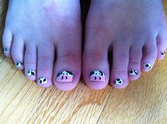 Cow toe nails