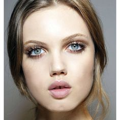 Twiggy lashes ❤ liked on Polyvore featuring faces, models, backgrounds, image and makeup