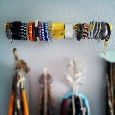 DIY bracelet storage #DIY #crafts #jewelry