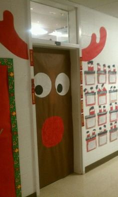 Easy Christmas Classroom Decorations you'll have to check out before you scroll up Christmas Classroom Door, Noel Christmas, Christmas Projects, Simple Christmas, Classroom Decor, Rudolph Christmas, Christmas Ideas, School Door Decorations, Office Christmas Decorations