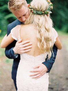 Beautiful photography: http://www.stylemepretty.com/oregon-weddings/2015/04/21/whimsical-oregon-city-wedding/ | Photography: Tara Francis - http://www.tarafrancisphotography.com/