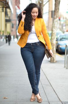 Curvy Girl Fashion: Love the blazer! Bright mustard yellow blazer and white tee worn with skinny jeans. Plus Size Jeans, Plus Size Work, Look Plus Size, Women's Plus Size Style, Plus Size Blazer, Curvy Girl Fashion, Look Fashion, Plus Size Fashion, Feminine Fashion