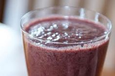 blueberry kale and carrot smoothie