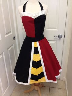 Queen of Hearts adult apron by AJsCafe on Etsy