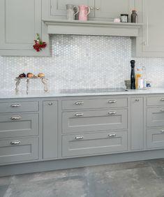 Mosaik Hexagon Bianco Carrara 3x3   kakelhornan.se Kitchen Backsplash, Kitchen Cabinets, Carrara, Double Vanity, Tiles, New Homes, Room Ideas, Stone, Google