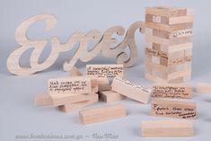 Πρωτότυπο βιβλίο ευχών με ξύλινα τουβλάκια τύπου Jenga και διακοσμητικό «Ευχές» σε φυσική απόχρωση για ένα ξεχωριστό τραπέζι Ευχών που θα κλέψει τις εντυπώσεις. Love, Place Cards, Place Card Holders, Diy, Wedding, Amor, Valentines Day Weddings, Bricolage, Weddings