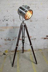 NauticalMart Vintage Style Designer Chrome Finish Search Light With Wooden Tripod Floor Lamp Stand