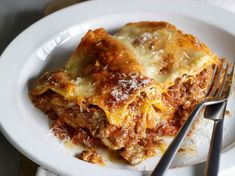 Lasagnes maison italiennes - Recettes Discover our easy and quick recipe for Italian homemade Lasagn Diner Recipes, Snack Recipes, Italian Lasagna, Healthy Snacks, Healthy Recipes, Easy Smoothie Recipes, Coconut Recipes, Pasta, Italian Recipes
