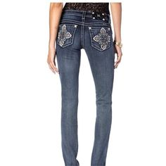 Pre-owned Miss Me Boot Cut Jeans ($141) ❤ liked on Polyvore featuring jeans, dark wash, boot-cut jeans, miss me, flower jeans, mid rise straight leg jeans and cross jeans