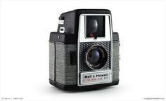 Bell & Howell Electric Eye 127 (three quarters)