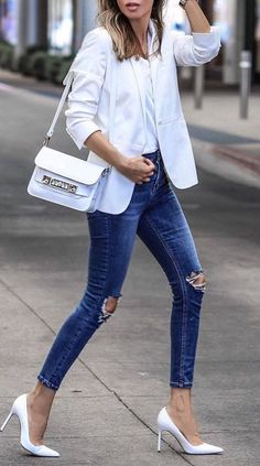 how to wear denim with white color: ripped jeans with white details