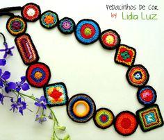 Lidia Luz: Pedacinhos de cor, colar de crochê