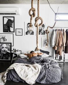 20 New trend modern Bedroom Design Ideas - kindledesignhome Apartment Interior, Room Interior, Interior Design Living Room, Men Apartment, Apartment Ideas, Studio Apartment, Home Decor Bedroom, Modern Bedroom, Guy Bedroom