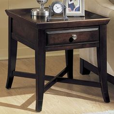 From modern to traditional, Broyhill offers stylish and affordable furniture sets & collections for your living room, bedroom, dining room & more. Broyhill Furniture, Cool Furniture, Living Room Furniture, Furniture Design, Living Room End Tables, My Living Room, Home And Living, Living Area, Coffee And End Tables