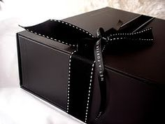 picture of a Net-a-Porter box