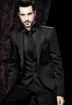 black tuxedos for men peaked Lapel Wedding suits for men mens suits tuxedo one button groomsmen suits 3 piece Suit (Jacket Pants vest tie) gothic wedding tuxedo All Black Tuxedo, Black Tuxedo Wedding, All Black Suit, Tuxedo For Men, Mens Black Wedding Suits, Best Wedding Suits, Wedding Men, Wedding Rings, Groomsmen Suits