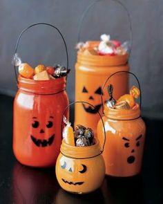 halloween Décoration Table Halloween, Halloween Tipps, Dulceros Halloween, Halloween Mason Jars, Halloween Treats, Halloween Clothes, Halloween Pumpkins, Goddess Halloween, Halloween Decorations To Make