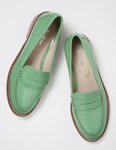 7c05f7ef0b8 I ve+spotted+this+ BodenClothing+Penny+Loafers+Apple.