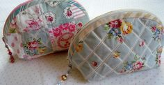 These little zipper purses can be made using patchwork or plain fabric. This free bag pattern is brought to you by Quiltsalott. Pouch Pattern, Purse Patterns, Sewing Patterns, Free Pattern, Purse Tutorial, Creation Couture, Fabric Bags, Little Bag, Zipper Bags
