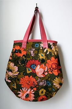 DIY vintage fabric tote with leather straps. #tutorial