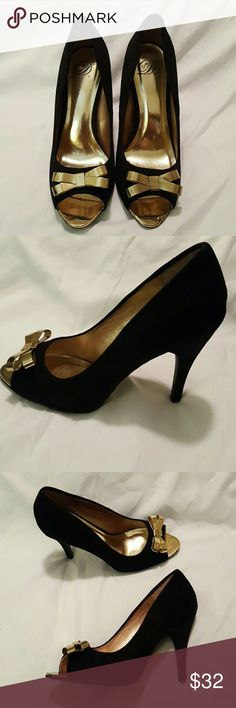 Dollhouse Peep-Toe pumps with gold bow Sexy black heels, just in time for valentine's day! Dollhouse Shoes Heels