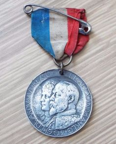 King Edward VII & Queen Alexandra 1902 Borough of Leicester Coronation Medal King Edward Vii, Leicester, Badges, Pocket Watch, Pendant Necklace, Queen, Ebay, Accessories, Jewelry